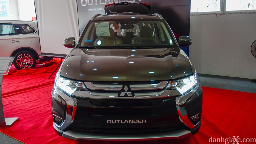 xe-mitsubishi-outlander-7-cho-4