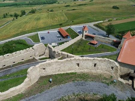 Fortificatii sasesti in Transilvania: cetatea Rupea si noile amenajari