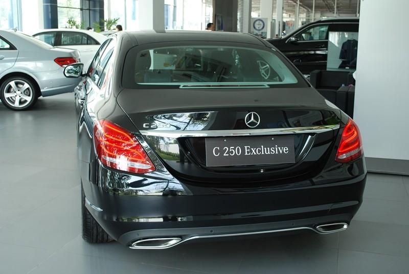 Xe Mercedes Benz C250 Exclusive new model màu đen 07