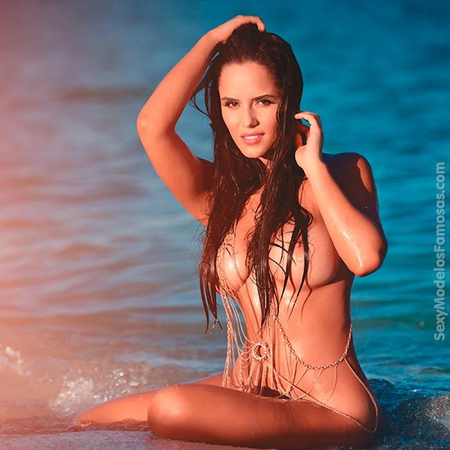 Ana Lucia Dominguez Desnuda SoHo Foto 35