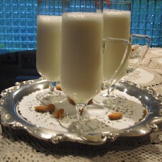 Frothy Sweet Almond Drink (Shrab al Loz).