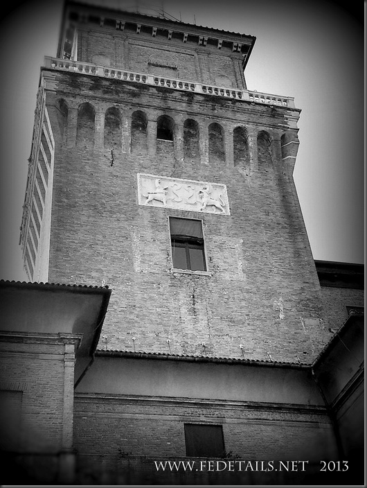 La Torre dei Leoni, foto1,Ferrara,EmiliaRomagna,Italia - The tower of the Lions, photo 1, Ferrara, Emilia Romagna, Italy - Property and copyrights of FEdetails.com