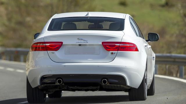 Xe Jaguar XE phiên bản 2017-04