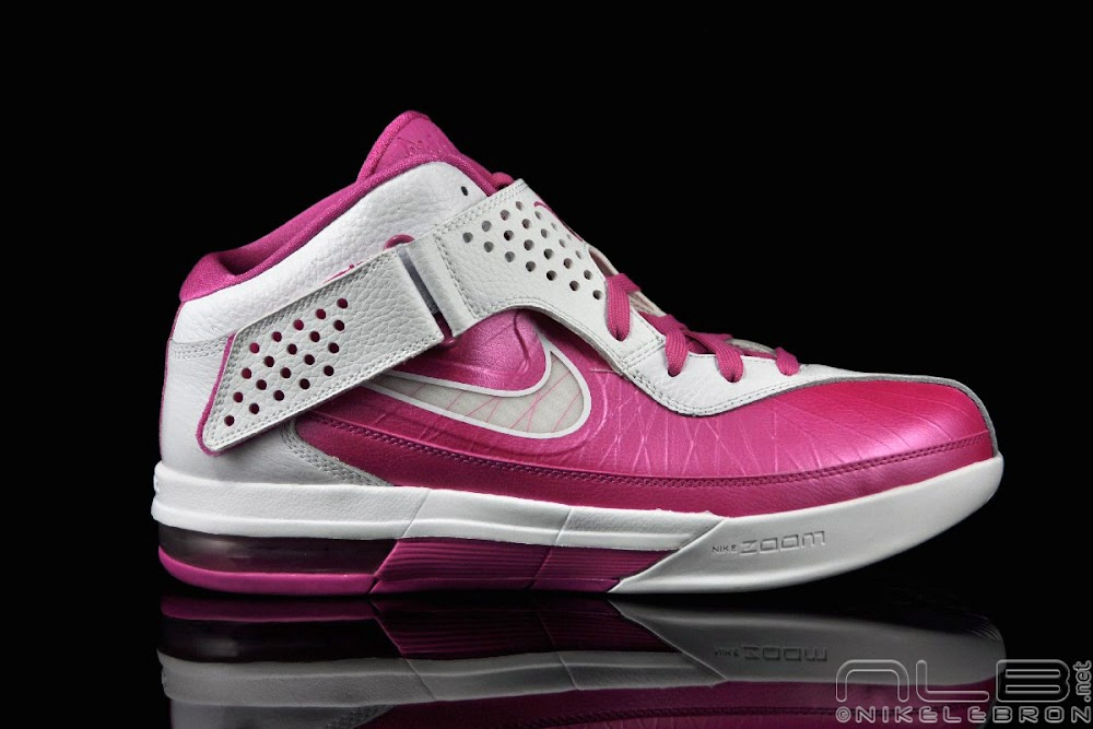 41ec3805e81 ... The Showcase Nike Air Max Soldier V 5 8220Think Pink8221 ...