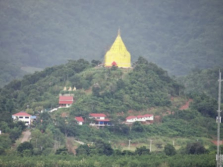 26. Stupa de aur.JPG
