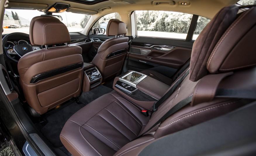 Xe BMW 730Li 09