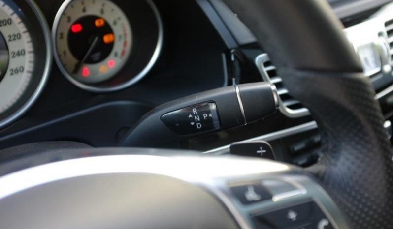 Nội thất xe Mercedes Benz E250 cũ màu xám 014