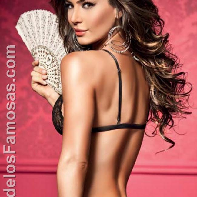 Natalia Velez Sexy Lenceria Besame Foto 12