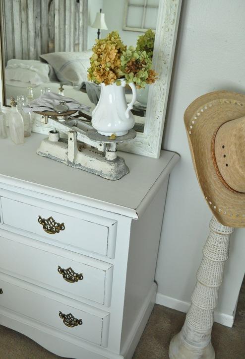 bedroom hat stand