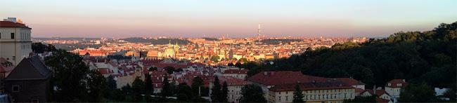 Panorama Prager Altstadt.jpg