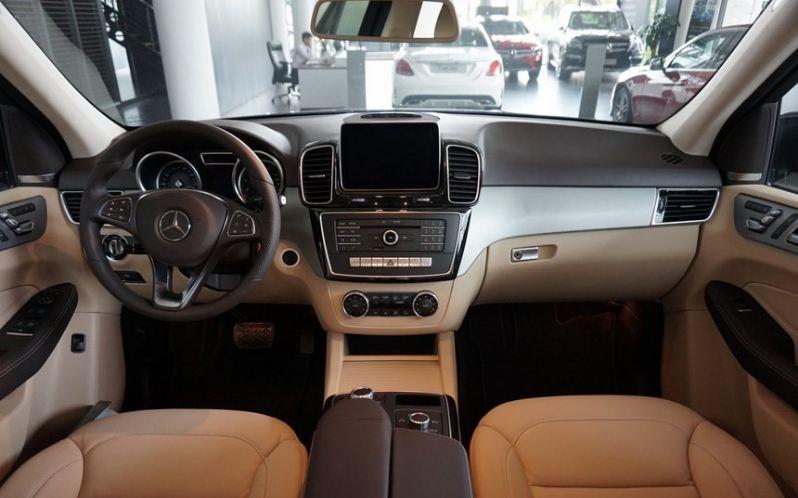 Xe Mercedes GLE 400 4Matic 04