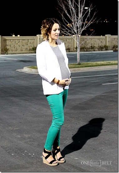 colored-jeans-maternity-style
