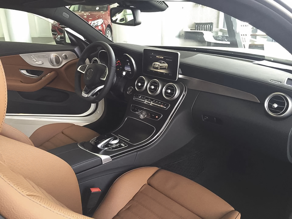 Xe Mercedes Benz C300 Coupe 2 cửa 06