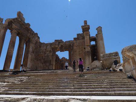 Imagini Liban: intrare templul lui Astarte