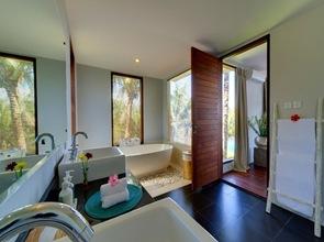 baño-moderno-casa-de-huespedes
