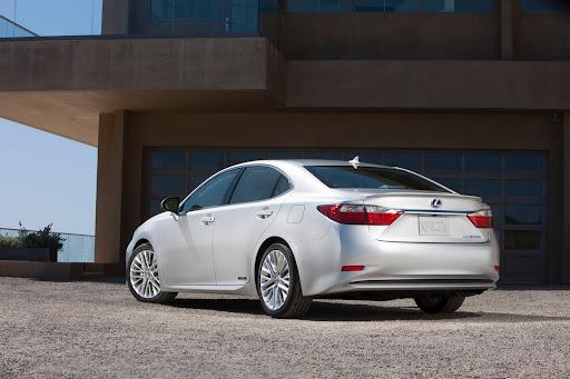 2013-Lexus-ES-01.jpg
