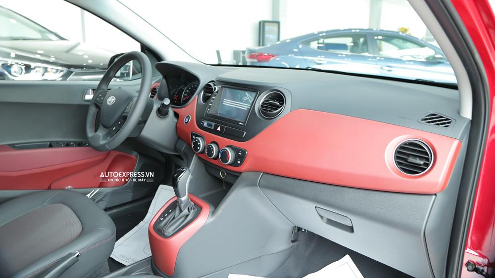Nội thất xe Hyundai Grand i10 2018 màu đỏ 01