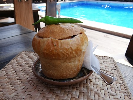 Ciorba in paine