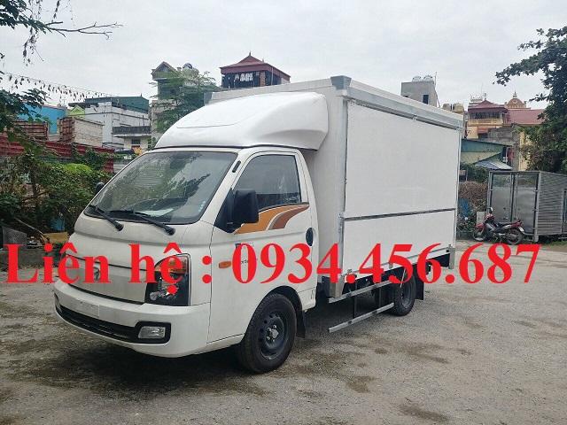 Mua xe Hyundai Porter H150 thùng cánh dơi