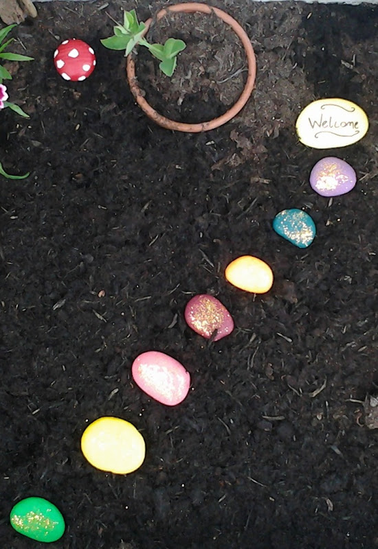 How to make a fairy garden stone path with glitter