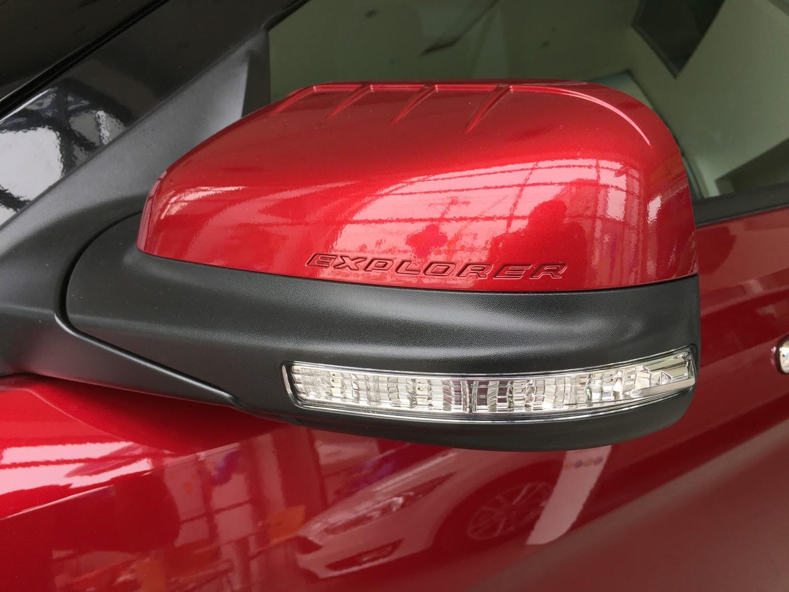 Động cơ xe Ford Explorer 2018 Màu Đỏ 06