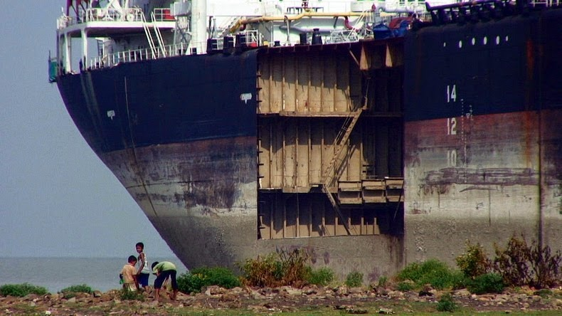 chittagong-ship-breaking-yard-10