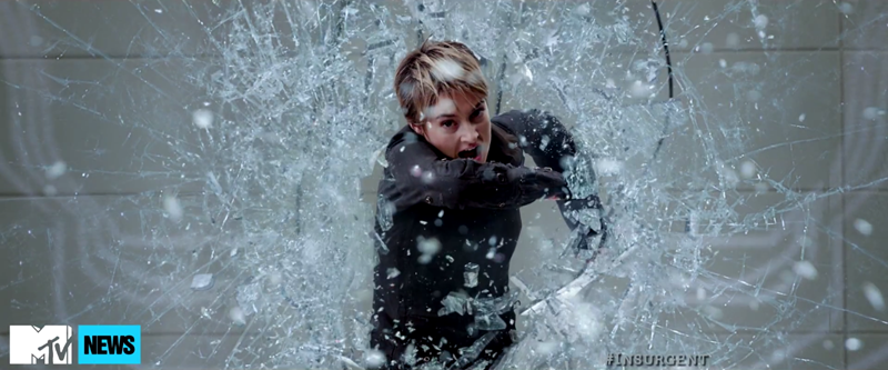 Insurgent_superbowl