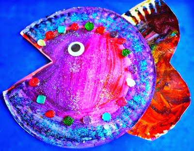 rainbow-fish paper plate craft from Parenting Chaos