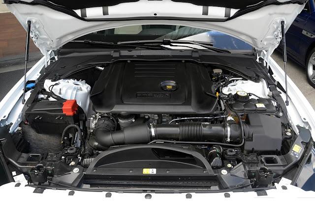 Động Cơ xe Jaguar XE Prestige Nhập Khẩu 07
