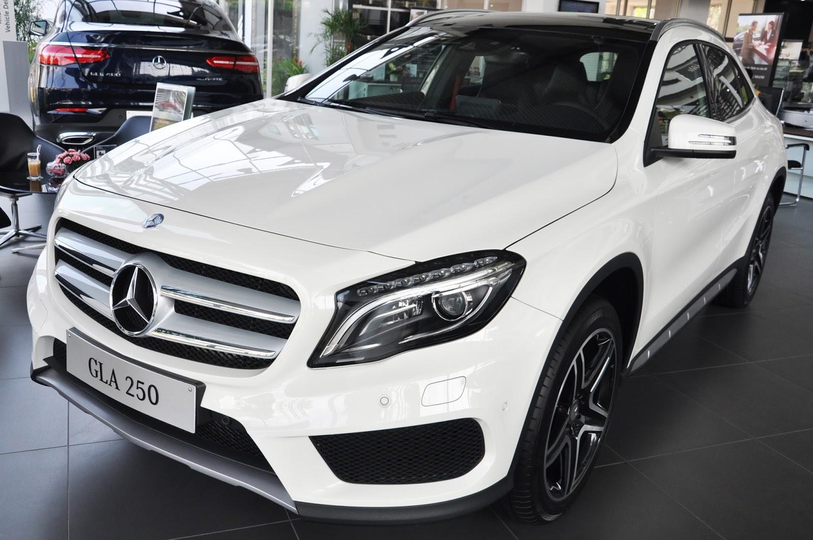 Xe Mercedes Benz GLA 250 4Matic màu trắng 01