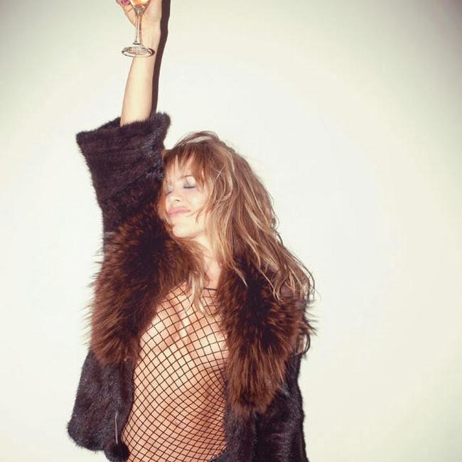 Natalia Paris Desnuda en SoHo Foto 3