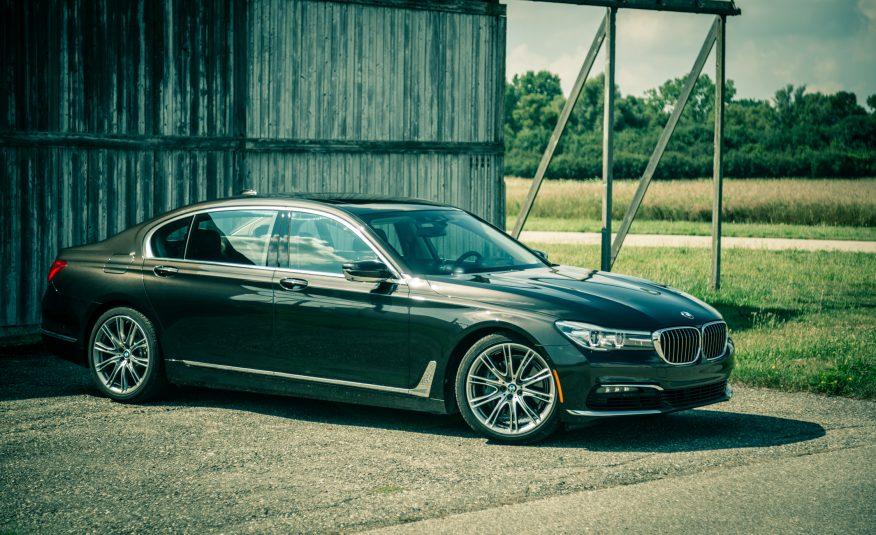 Xe BMW 740Li 02