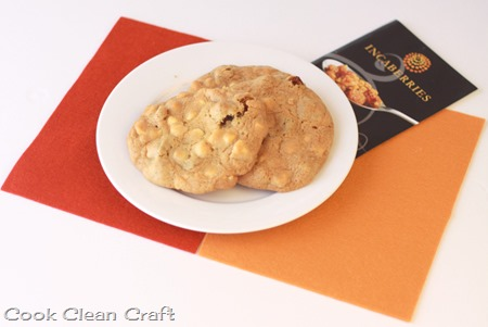 Incaberry and White Chocolate Cookies (1)
