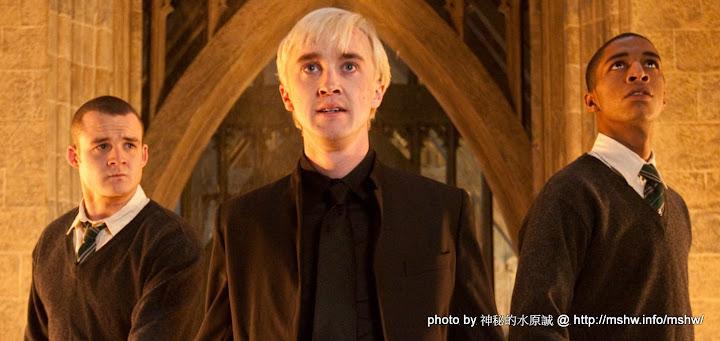 終於完結的害你跌倒系列電影... 哈利波特 Harry Potter 7 死神的聖物 Deathly Hallows Part2  哈利波特系列 電影