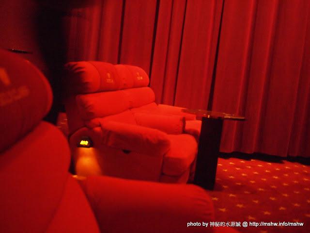 【景點】台中Tiger City Vieshow Cinemas Gold Class 老虎城威秀影城頂級影廳@西屯老虎城購物中心捷運BRT秋紅谷 : 有吃有喝有溫暖的頂級享受! 區域 台中市 嗜好 娛樂 影城 捷運周邊 旅行 西屯區 電影