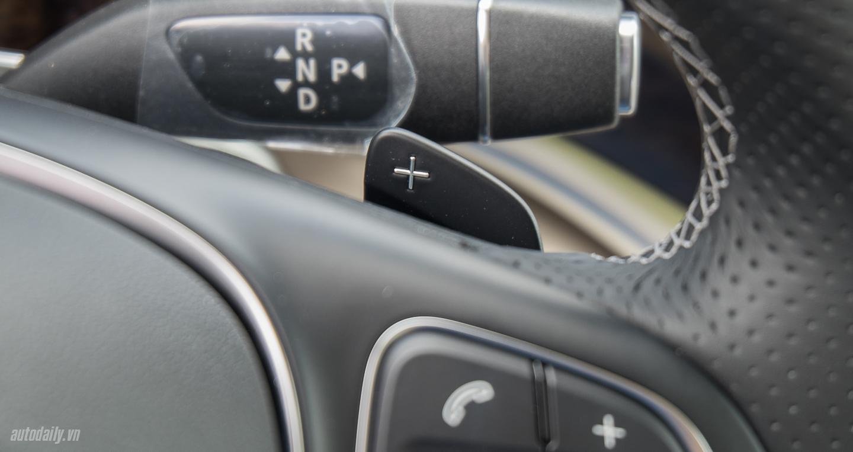 Nội thất xe Mercedes Benz V250 Avantgarde Máy Xăng màu trắng 07