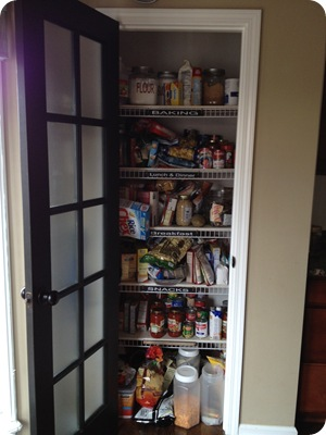 no more wire shelves a pantry redo from thrifty decor chick rh thriftydecorchick com wire pantry shelves sagging wire shelves pantry