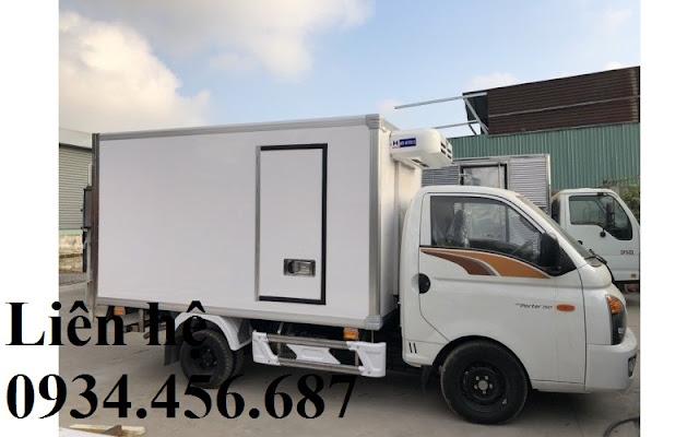 mua-xe-hyundai-h150-thung-dong-lanh-2-loc