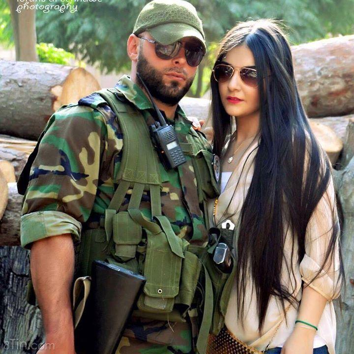 Hai vợ chồng chiến binh Syria. Ai muốn qua Syria lấy chồng