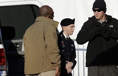 manning on his way to court