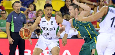 Mexico's centre Gustavo Ayon (L) vies with Australia's forward Aron Baynes  during  the 2014 FIBA World basketball championships group D match Mexico VS Australia at the Gran Canaria Arena in Gran Canaria on September 3, 2014.   AFP PHOTO/ GERARD JULIEN