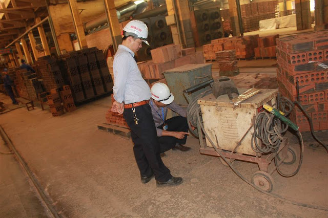 Thi đua sản xuất tại Công ty Viglacera Hạ Long