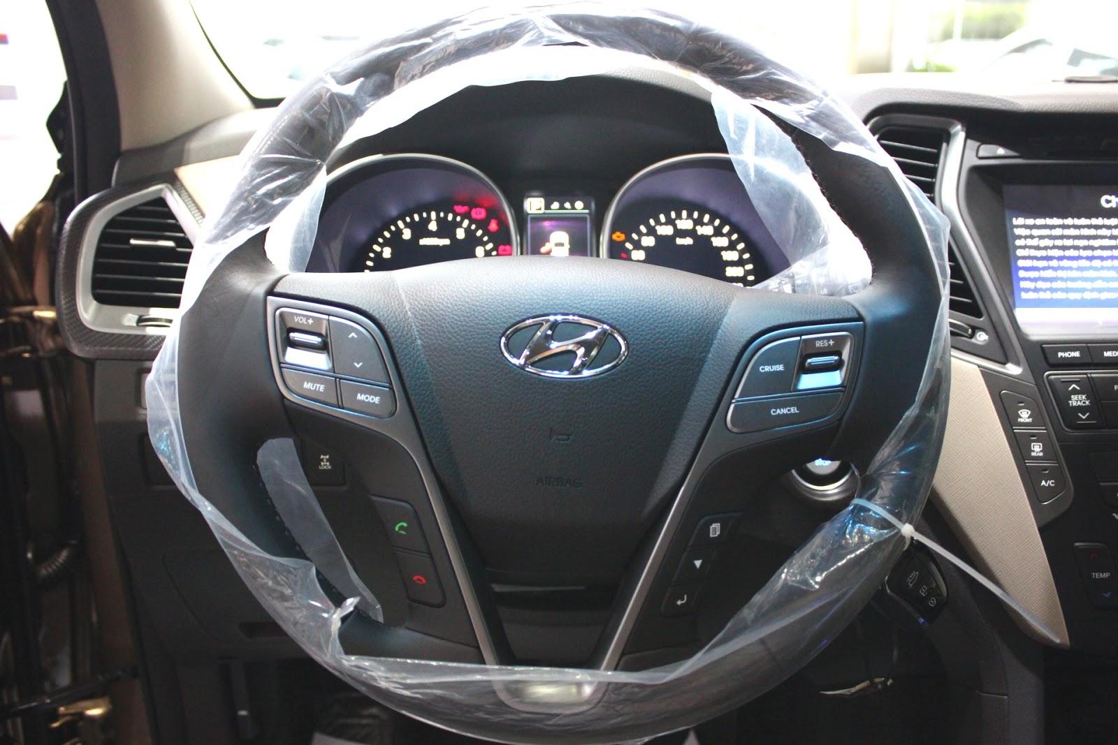 Nội thất xe Hyundai Santafe New Model màu vàng cát 011