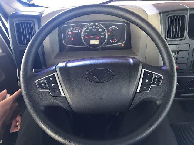 Volang xe đô thành IZ65 tích hợp chức năng phím hỗ trợ Bluetooth, nút điều khiển âm thanh đa năng