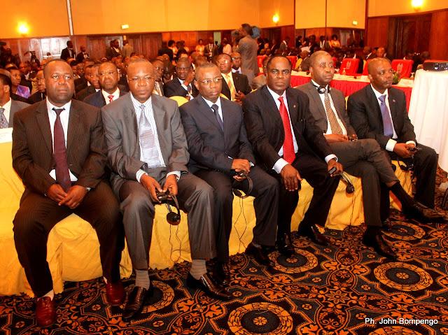Quelques personnalités de la RDC, lors de l'ouverture du Caucus africain, le 3/08/2011 à Kinshasa. Radio Okapi/ Ph. John Bompengo