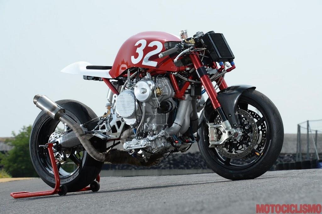 倒立エンジン:スーパーバイク『Nembo 32』テスト!