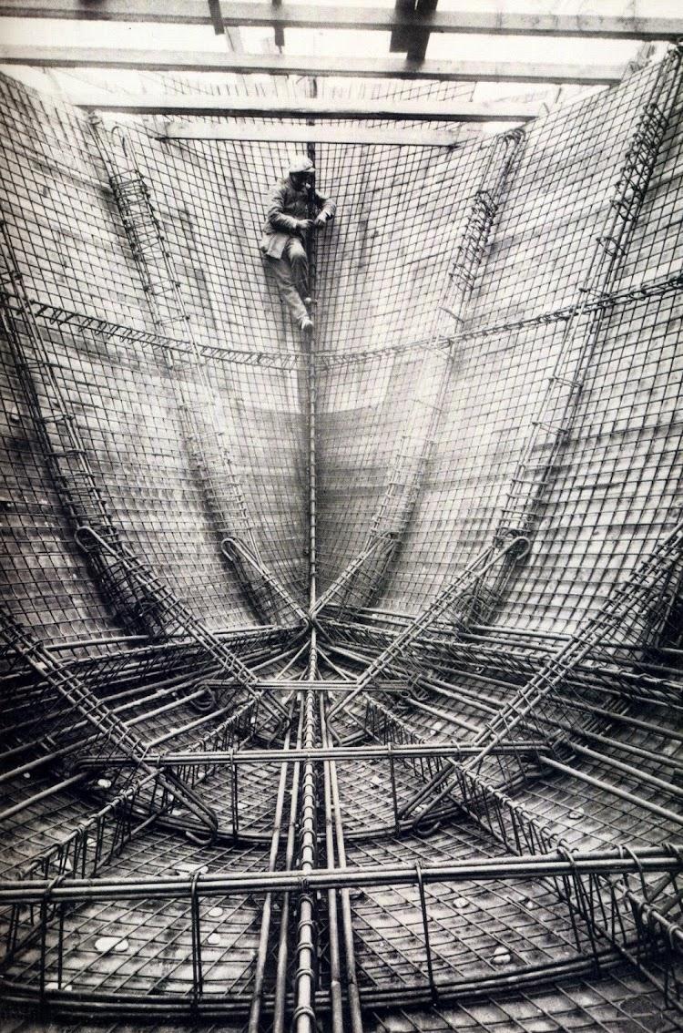 Espectacular vista de la construcción del MIROTRES. Del libro, Vapores.JPG