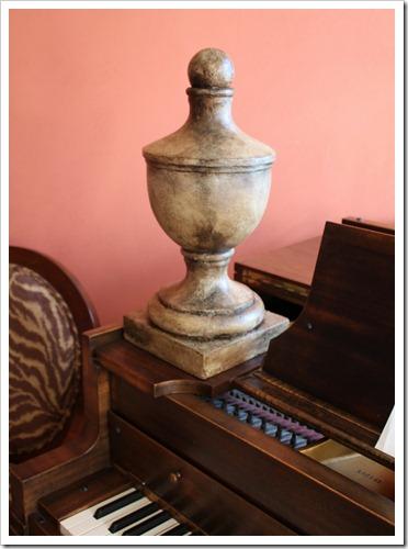finial & piano (752x1024)