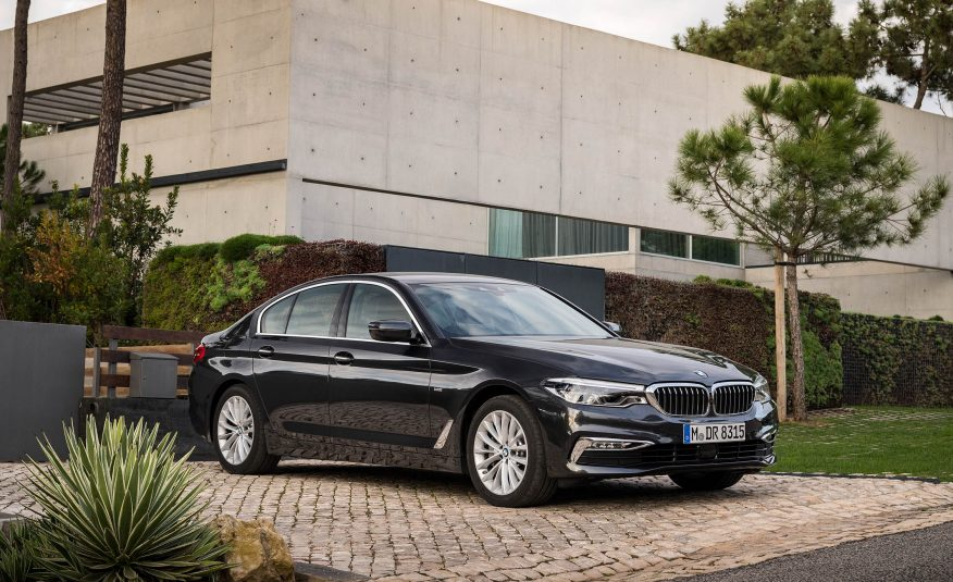 Xe BMW 528i GT new model 03