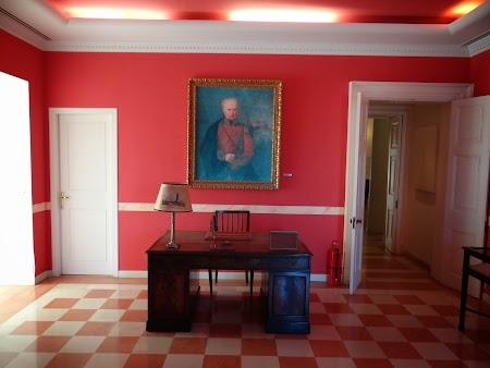 24. Interior palatul Mon Repos din Kanoni, Corfu.JPG